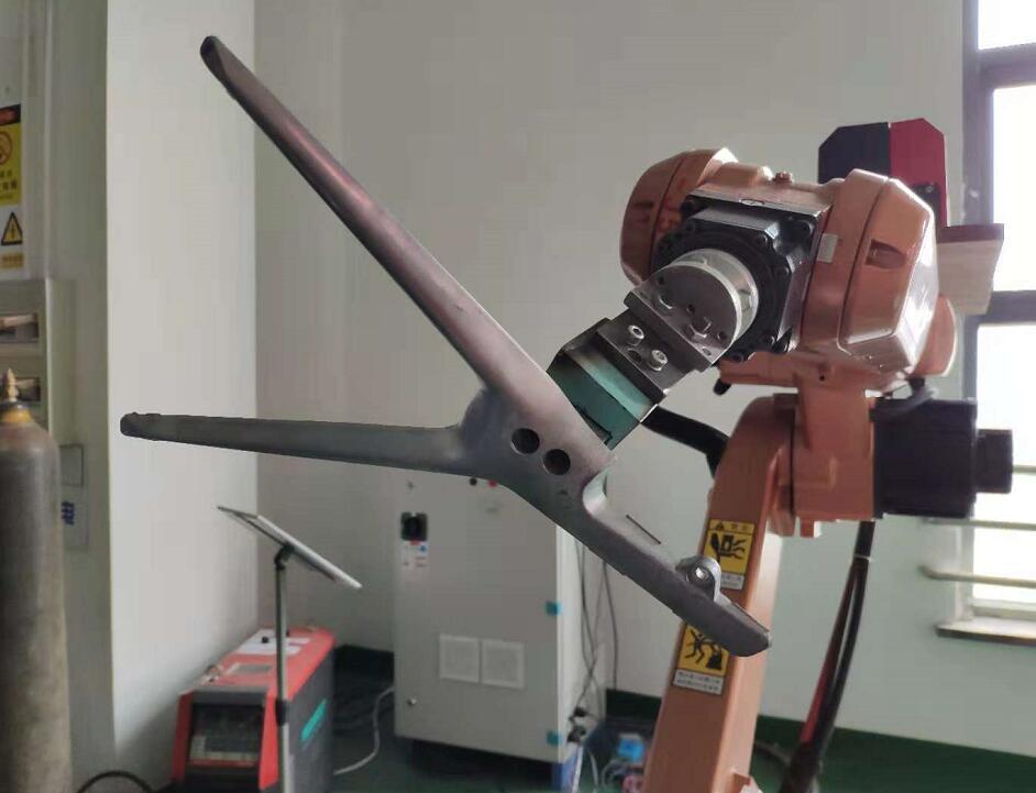 title='机器人打磨抛光去毛边'